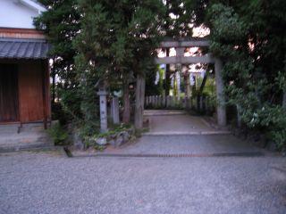 Shrine080802_01