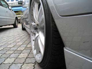 Car081012_03