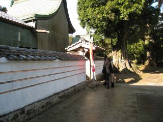 Shrine090101_23
